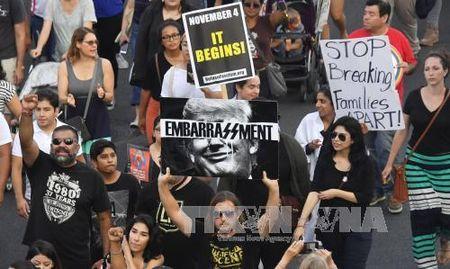 Them 4 bang My kien chinh quyen Tong thong Trump do bai bo DACA - Anh 1