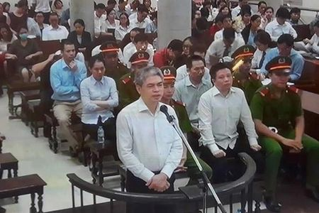 Chuyen 'dong tien khong canh ma bay'… la co that? - Anh 1