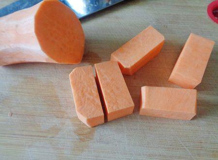 Cach lam mut khoai lang trong deo ngoai gion ngon hap dan - Anh 5