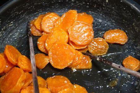 Cach lam mut khoai lang trong deo ngoai gion ngon hap dan - Anh 6