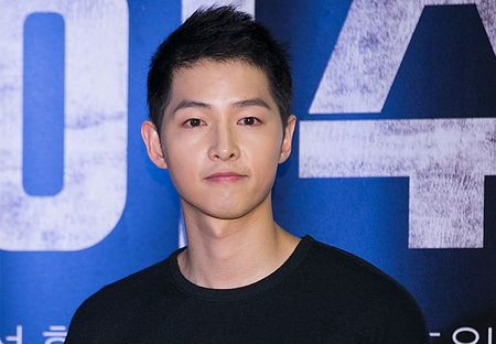 Song Joong Ki tu choi dong phim moi vi Song Hye Kyo - Anh 1