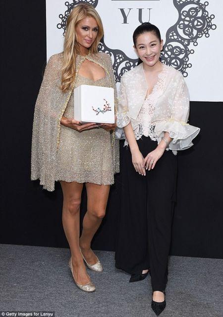 Doanh nhan Luu Nga cung Paris Hilton xem thoi trang tai New York - Anh 2