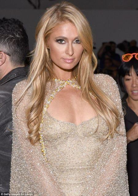 Doanh nhan Luu Nga cung Paris Hilton xem thoi trang tai New York - Anh 7
