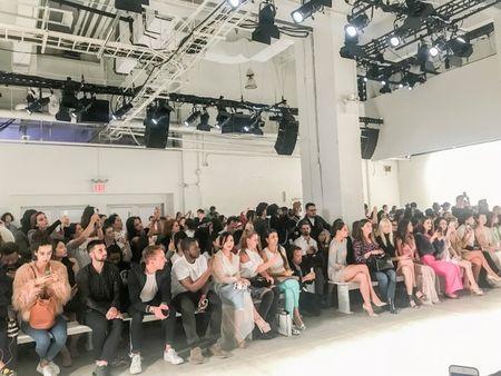 Doanh nhan Luu Nga cung Paris Hilton xem thoi trang tai New York - Anh 8