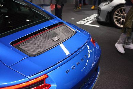 Porsche 911 GT3 cuon hut hon voi goi trang bi Touring - Anh 5