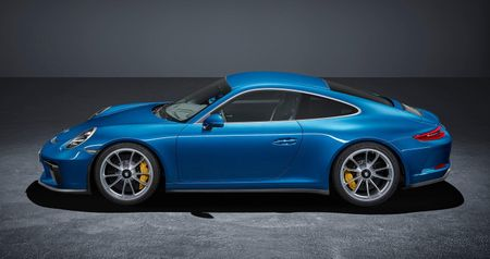 Porsche 911 GT3 cuon hut hon voi goi trang bi Touring - Anh 8