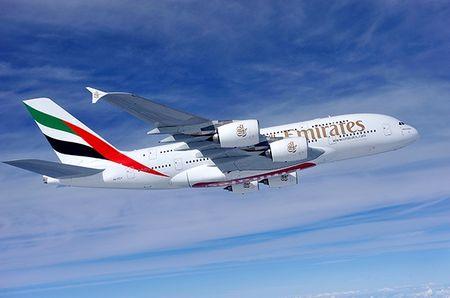 Co hoi trai nghiem may bay Emirates A380 gia hap dan - Anh 1