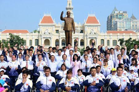 Doan the thao nguoi khuyet tat Viet Nam tran day tu tin trong le xuat quan - Anh 1