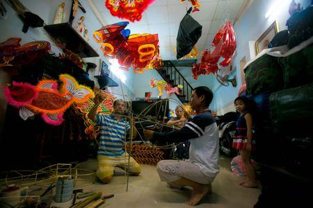 Lang long den giay kieng hoi sinh giua Sai Gon - Anh 3