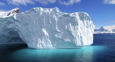 Nga di chuyen tang bang khong lo, lon hon tang bang troi nhan chim Titanic - Anh 1