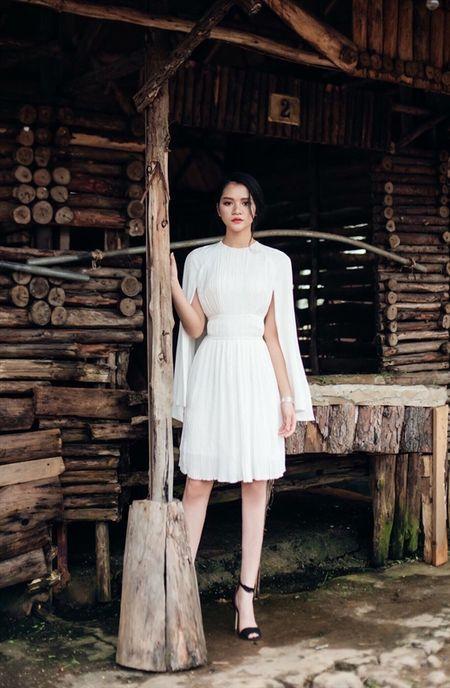 Huyen Trang Bat Hoi: ' Dung bat mot nguoi phu nu phai binh tinh khi bi phan boi ' - Anh 3