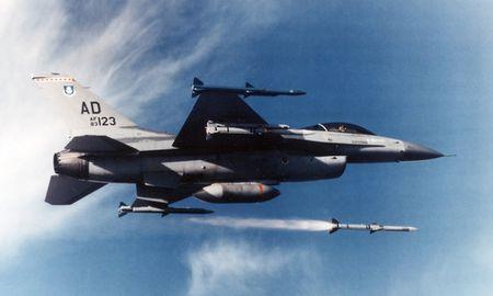 Mau UAV hua hen thay doi ban chat khong chien cua quan doi My - Anh 2