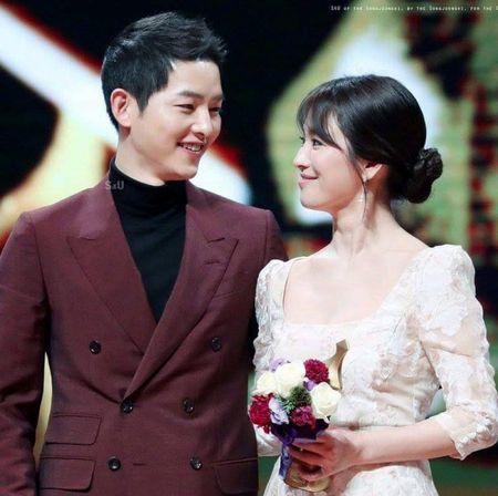 Song Joong Ki tu choi dong phim thay ma vi 'co dau thang 10' Song Hye Kyo - Anh 2