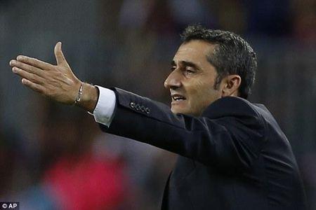Dung dua voi Barca cua HLV Ernesto Valverde - Anh 1
