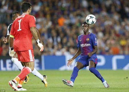 Dung dua voi Barca cua HLV Ernesto Valverde - Anh 3