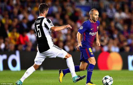 Dung dua voi Barca cua HLV Ernesto Valverde - Anh 4