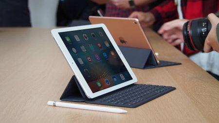 Ra mat iPhone X, Apple lang le tang gia iPad Pro - Anh 1