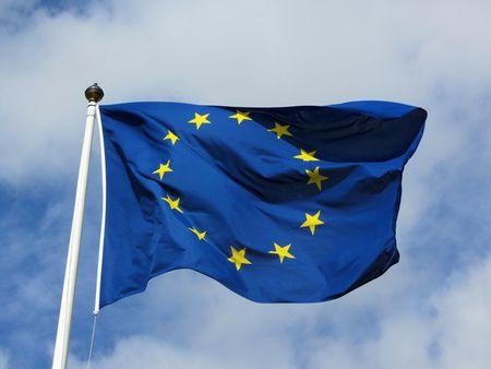 EU gia han cac lenh trung phat lien quan cuoc khung hoang Ukraine - Anh 1