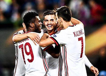 Ket qua Europa League: AC Milan, Arsenal khoi dau hoan hao - Anh 1