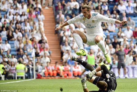 Vong 4 La Liga: Real 'chap' Barca them 1 buoc? - Anh 1