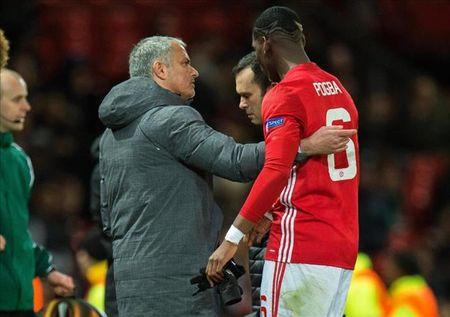 Paul Pogba dinh chan thuong nang, Jose Mourinho trach moc - Anh 1