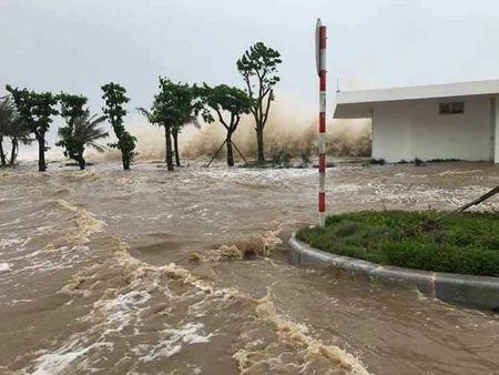 10 thuyen vien Thanh Hoa bi mat lien lac trong con bao so 10 - Anh 2