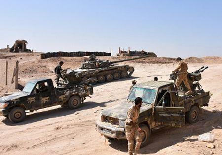 Phien quan IS ben bo vuc sup do o Deir Ezzor - Anh 4