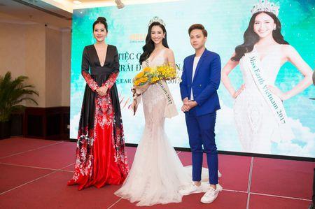 Ha Thu chinh thuc nhan trong trach tham gia dau truong nhan sac Miss Earth 2017 - Anh 13