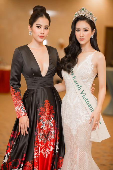 Ha Thu chinh thuc nhan trong trach tham gia dau truong nhan sac Miss Earth 2017 - Anh 9