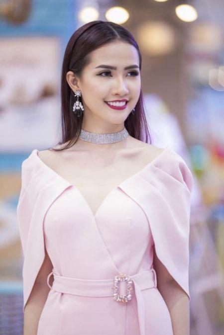 Phan Thi Mo tu lai xe tien ty di su kien - Anh 2
