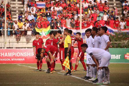 U.18 Thai Lan may man ha Indonesia tren cham 11 m - Anh 1