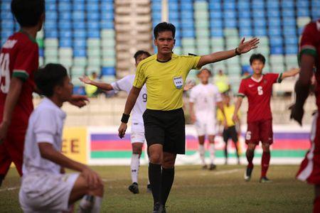 U.18 Thai Lan may man ha Indonesia tren cham 11 m - Anh 2