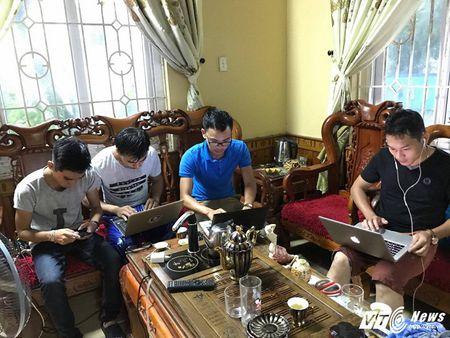 Truoc gio bao so 10 do bo: Song bien Quang Tri cao 8m, gio manh len tung phut - Anh 2