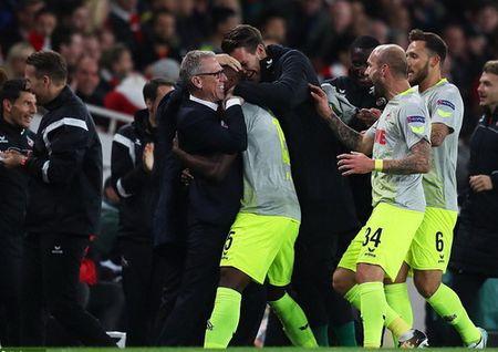 Sanchez lap sieu pham, Arsenal nguoc dong ha dep Cologne - Anh 3