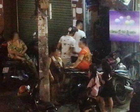 UBND TP HCM chi dao lam ro 'hem ma tuy' o Bui Vien - Anh 3