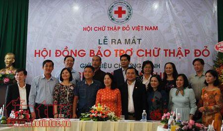 Tren 1.500 benh nhan ngheo co co hoi duoc kham va dieu tri mien phi - Anh 1