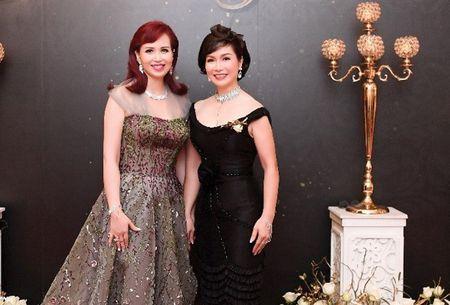 Dan Hoa hau Viet dien vay tre nai day quyen ru 'do sac' cung cuu Hoa hau Han Quoc - Anh 4
