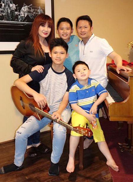 Bang Kieu lan dau noi ve tinh cam voi Hoa hau Duong My Linh - Anh 2