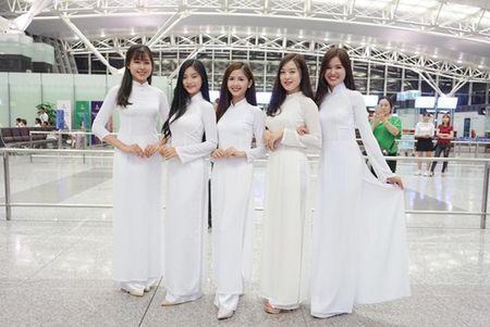 Nu sinh Miss Teen Viet dien ao dai, non la dai nao san bay Han Quoc - Anh 8