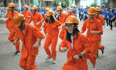 Xinh va chat nhu 'dan' cong trinh dong dien vu dao - Anh 3