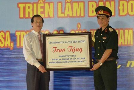 Trien lam ve Hoang Sa, Truong Sa tai Quan khu 4 - Anh 1
