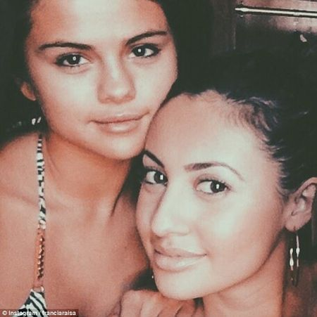 Selena Gomez het benh 'la' vi duoc ban than cho than - Anh 3