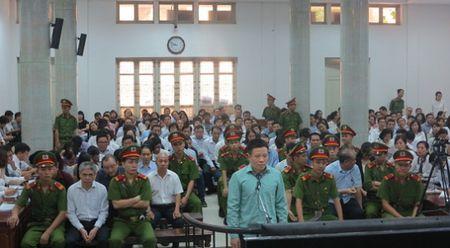 Vu Ha Van Tham: Luat su dong loat keu oan cho nhieu bi cao - Anh 1