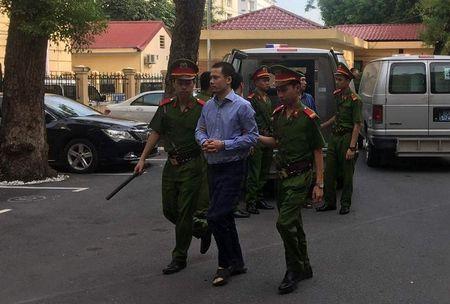 Vu Ha Van Tham: Luat su dong loat keu oan cho nhieu bi cao - Anh 3