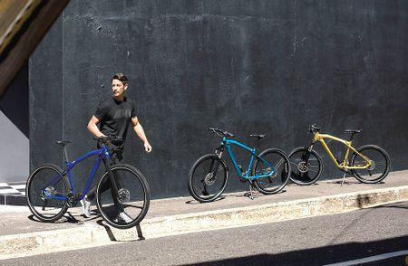 Soi xe dap BMW M Bike Limited Carbon Edition gia 37,8 trieu - Anh 6
