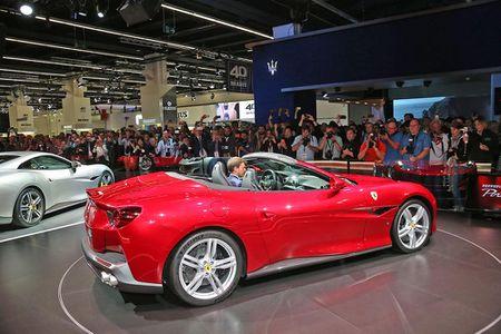 Sieu xe Ferrari Portofino lan dau ra mat cong chung - Anh 10