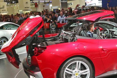 Sieu xe Ferrari Portofino lan dau ra mat cong chung - Anh 11