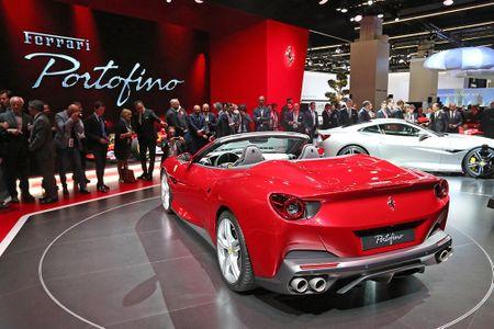 Sieu xe Ferrari Portofino lan dau ra mat cong chung - Anh 12