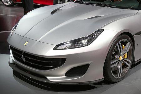 Sieu xe Ferrari Portofino lan dau ra mat cong chung - Anh 14