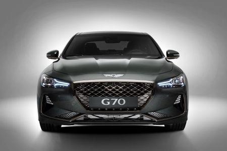 Ra mat xe sang Genesis G70 'dau' Mercedes-Benz C-Class - Anh 9